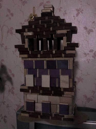Домик из спичечных коробков фото.